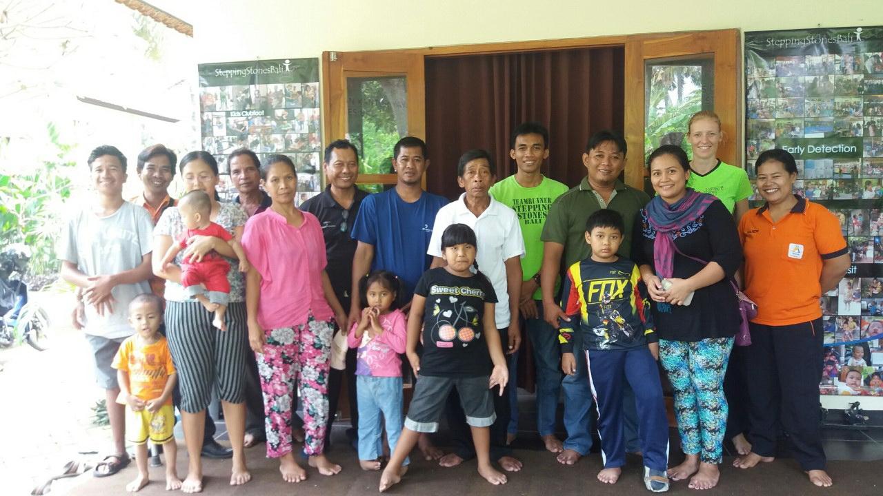 Drie kinderen naar Sumatra