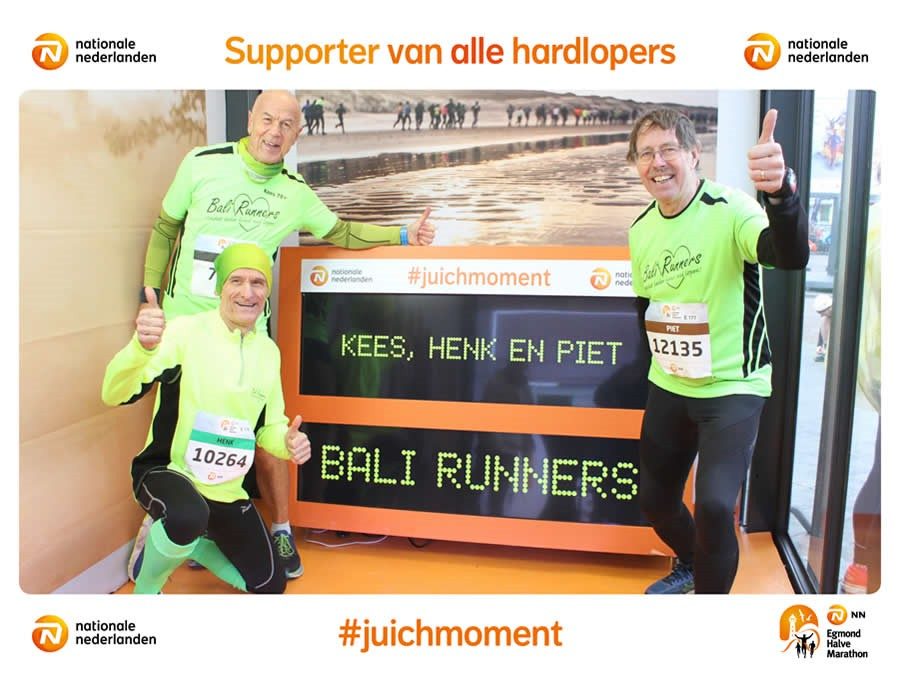 Drie Bali Runners in Egmond.